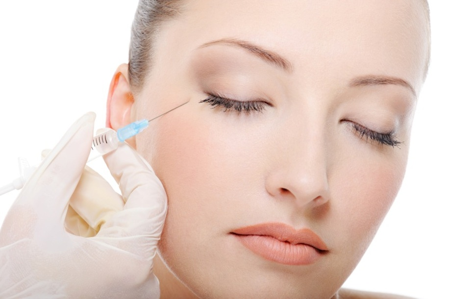 Live implant training course